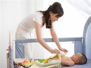 宝宝掉床容易内伤 家长要重视