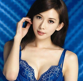 性感女神林志玲曾经竟亲示乳房检查方法
