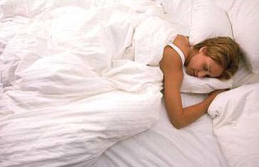 女性裸睡能治病!